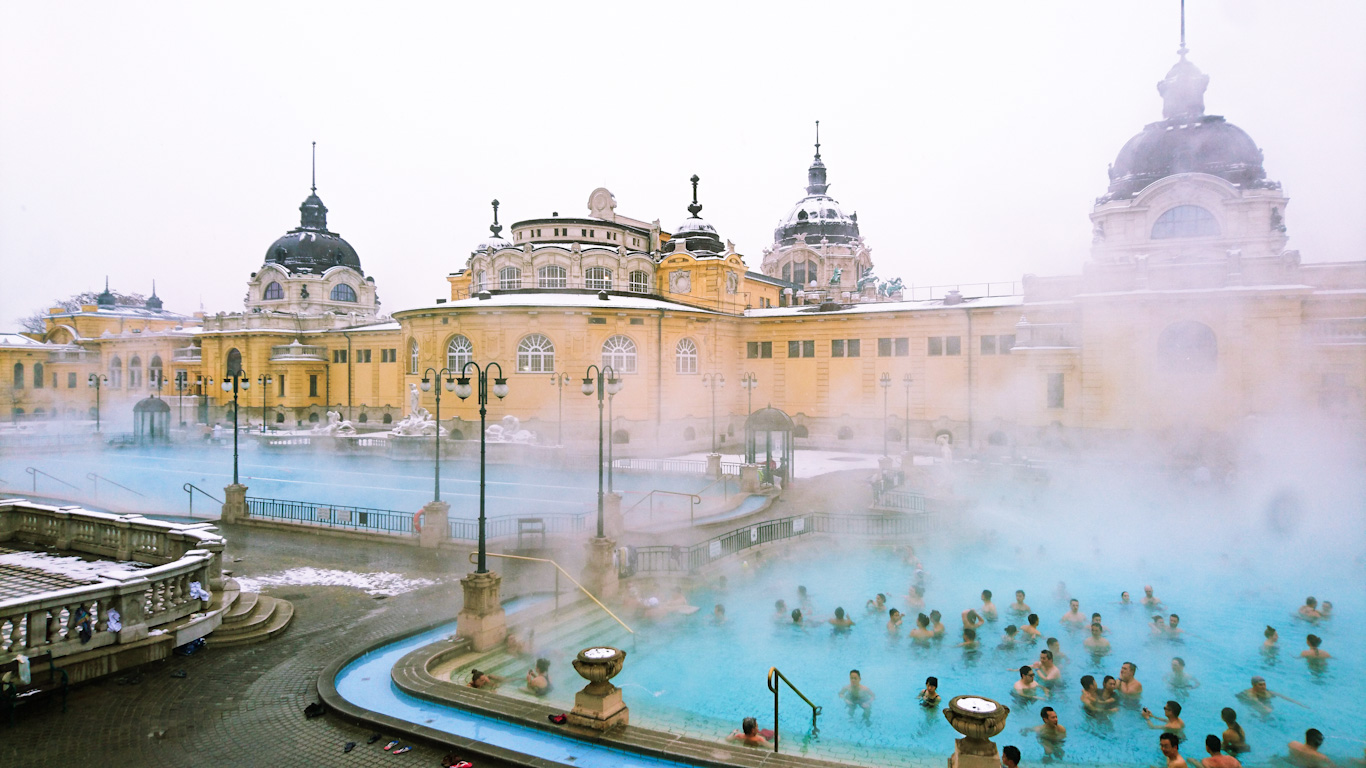 Szechenyi bath budapest winter