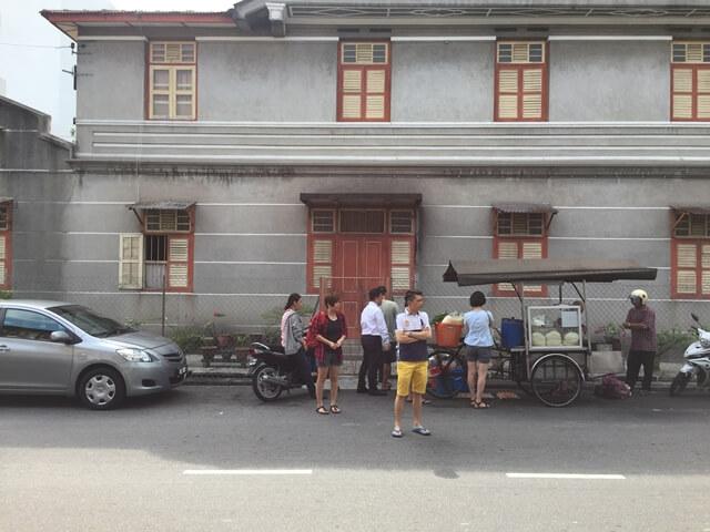 fried noodles, penang, street food, penang food tour, char kuay teow