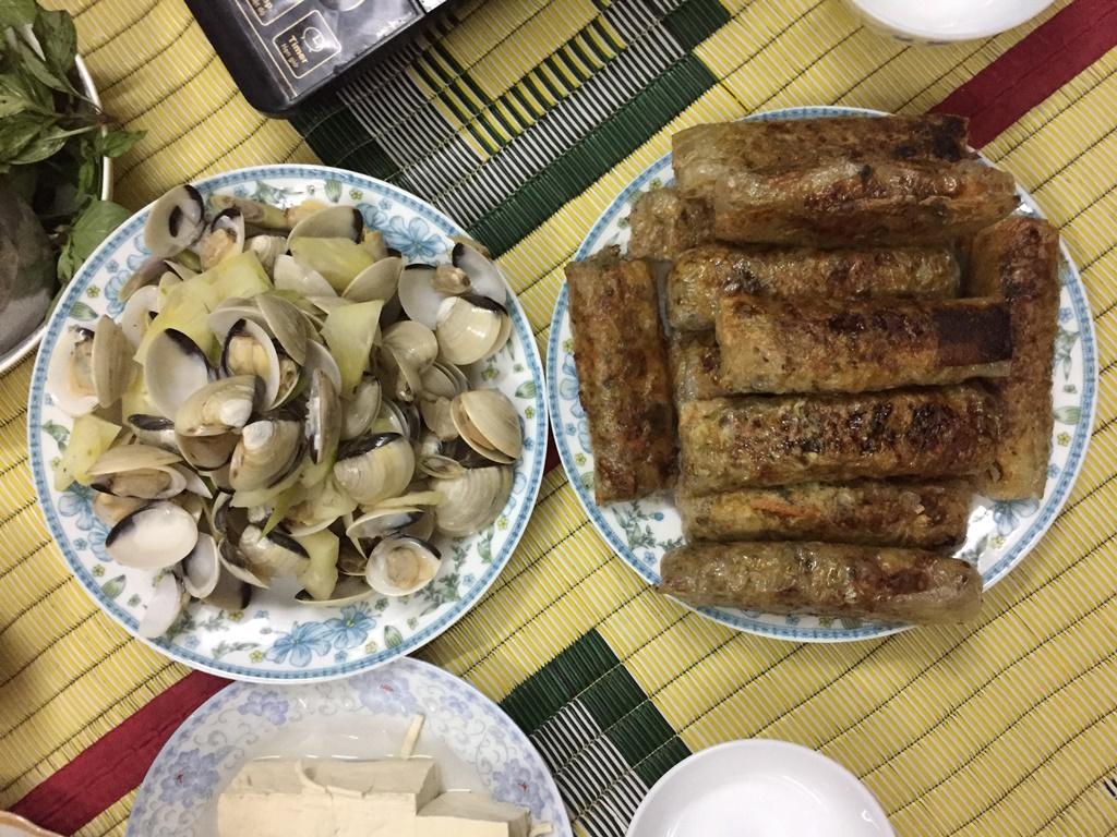 Fried spring rolls cha gio clams