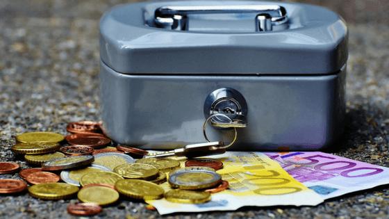 Money box, iran travel budget, cost, budget breakdown, iran travel cost, iran travel expenditure