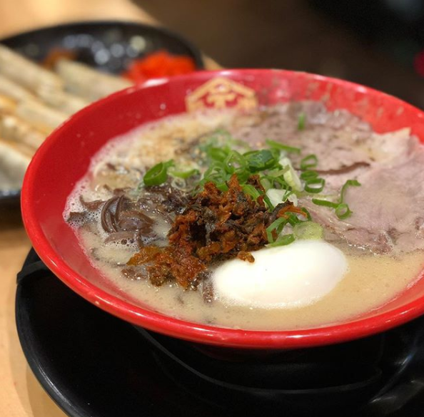 The usual tonkotsu with creamy broth and pieces of chashu.