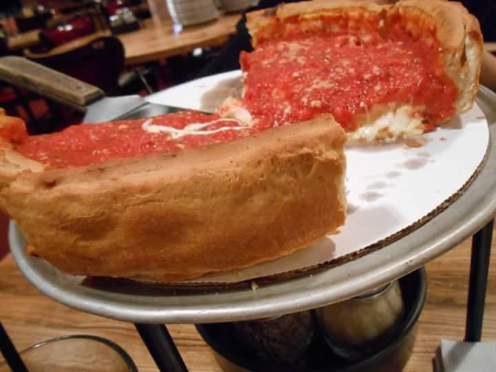 chicago deep dish pizza, pizza