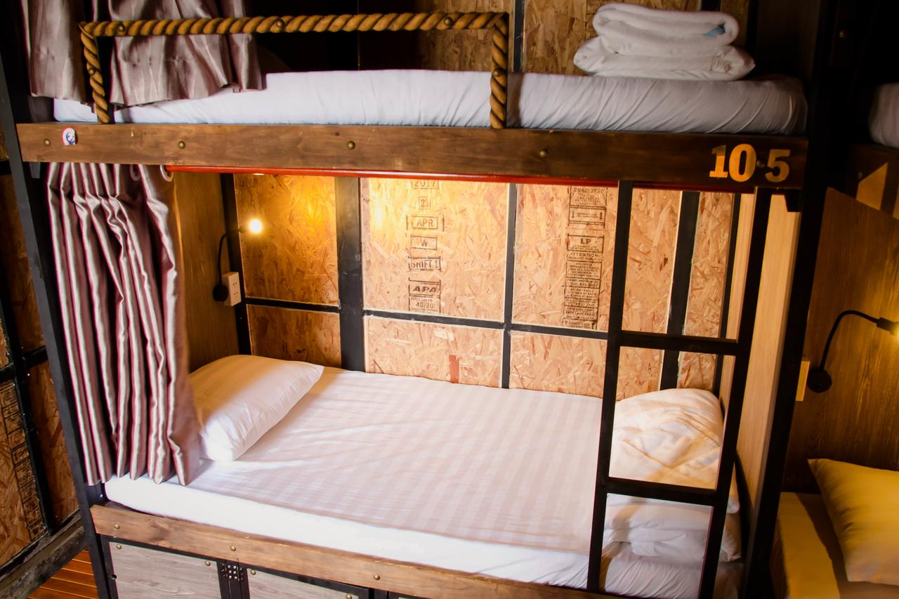Mobylette Hotel hostel with bunk bed