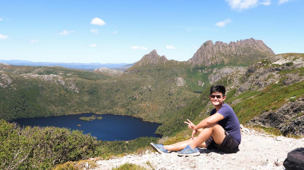 hike cradle mountain lake sinclair dove lake summit