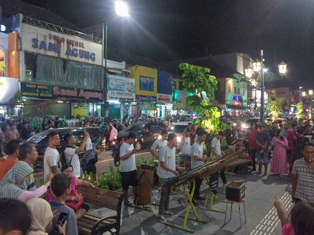 Angklung javanese traditional instrument performance at Malioboro Street in Yogyakarta things to do in Yogyakarta at night