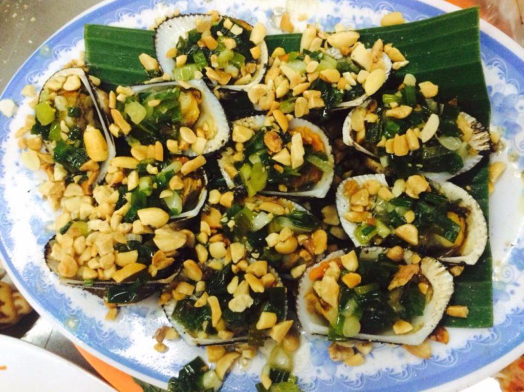 Quán Ốc Như vietnamese snails with garlic and butter