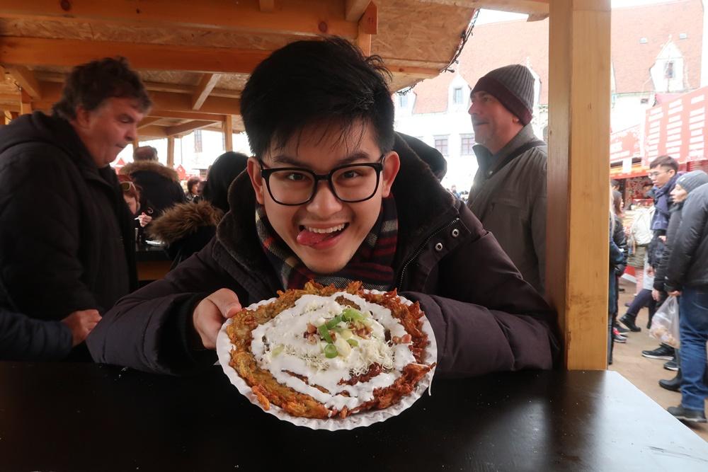 potato pancake what to eat in bratislava christmas market
